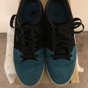 Osiris Shoes - Osiris Decay black/Teal suede Skate shoes sz 11.5